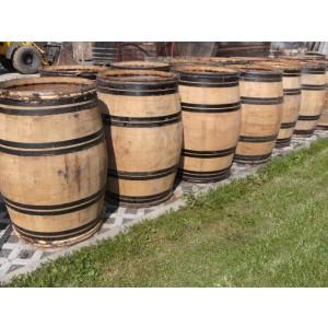 228 Liter Burgunder mit weideringen und Ringe in Schwarz original überlackiert
